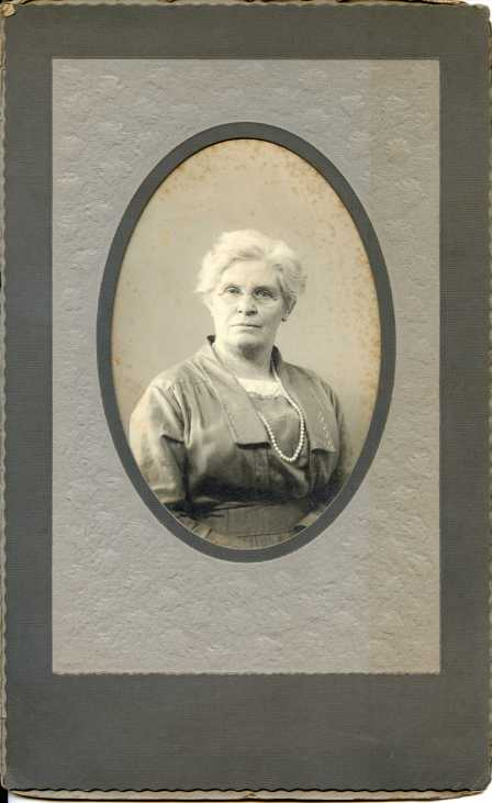 Pic 4: Perhaps Charles Amiss Newkirk's 2nd wife?