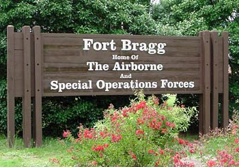 Fort_Bragg_entrance_sign
